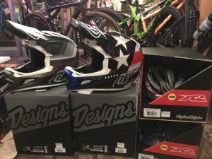 新型トロイリーヘルメット